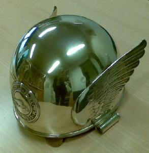 Gylden hjelm Engstrøm