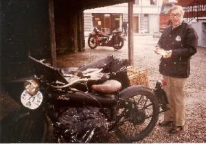 Far med Kakkelovnsrøret til Skagen Rally 1983 fra 1923